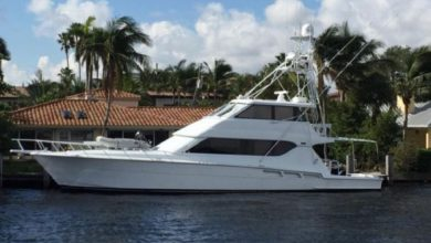 Photo of 1999 Hatteras 70′ Convertible – $995,000