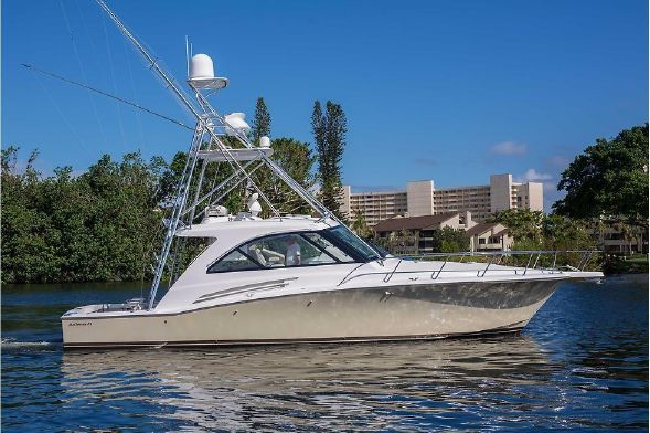 Photo of 2015 Hatteras 45′ Express – $899,000