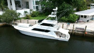 Photo of 2002 Hatteras 70′ Convertible – $1,050,000