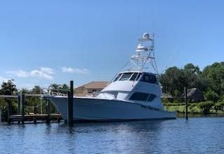 Photo of 2006 Hatteras 60′ Convertible – $850,000