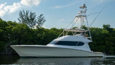 Photo of 2006 Hatteras 64′ Convertible – $999,000