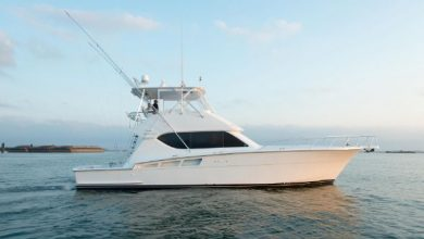 Photo of 2005 Hatteras 50′ Convertible – $575,000