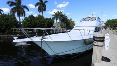 Photo of 2001 Hatteras 70′ Convertible – $899,000