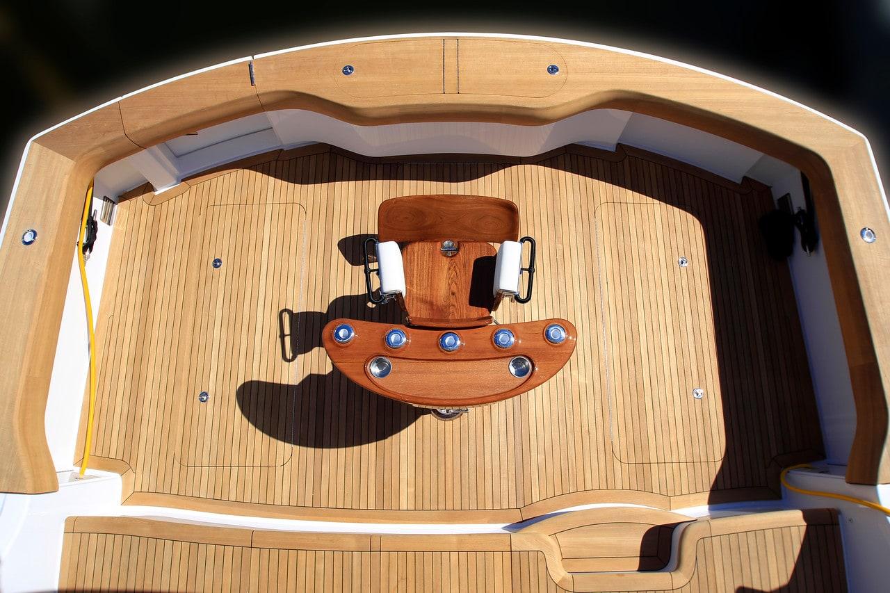 Hatteras GT70 Cockpit