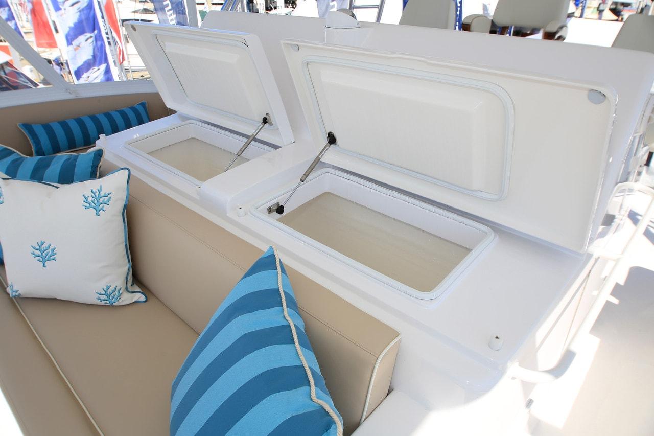 Hatteras GT70 Flybridge