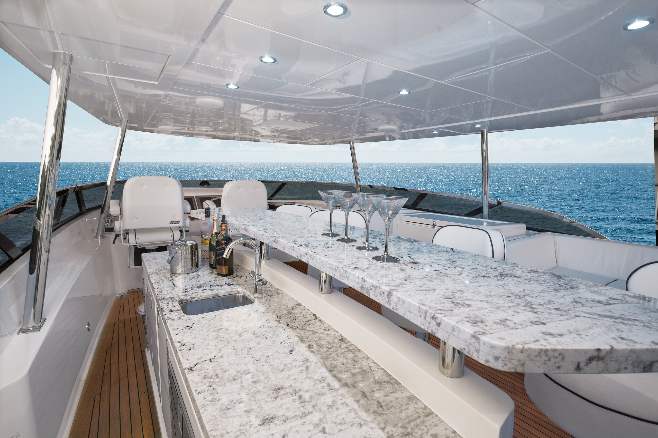 Hatteras 105 Raised Pilothouse Top Deck Forward