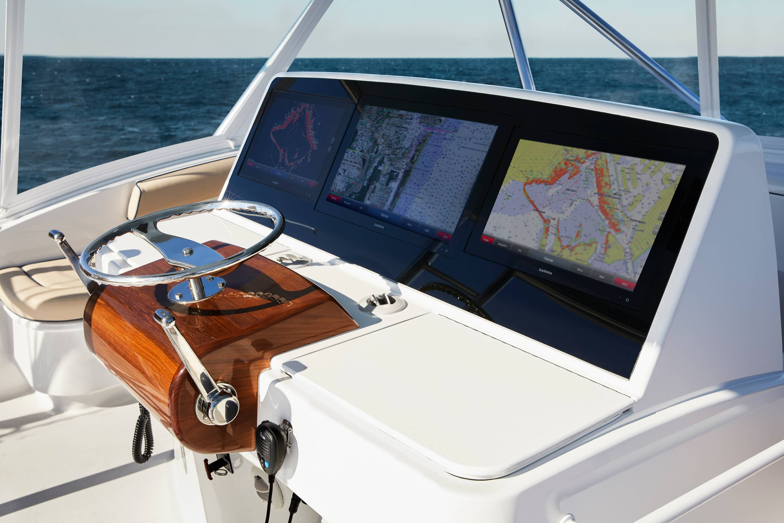 Hatteras GT59 Electronics
