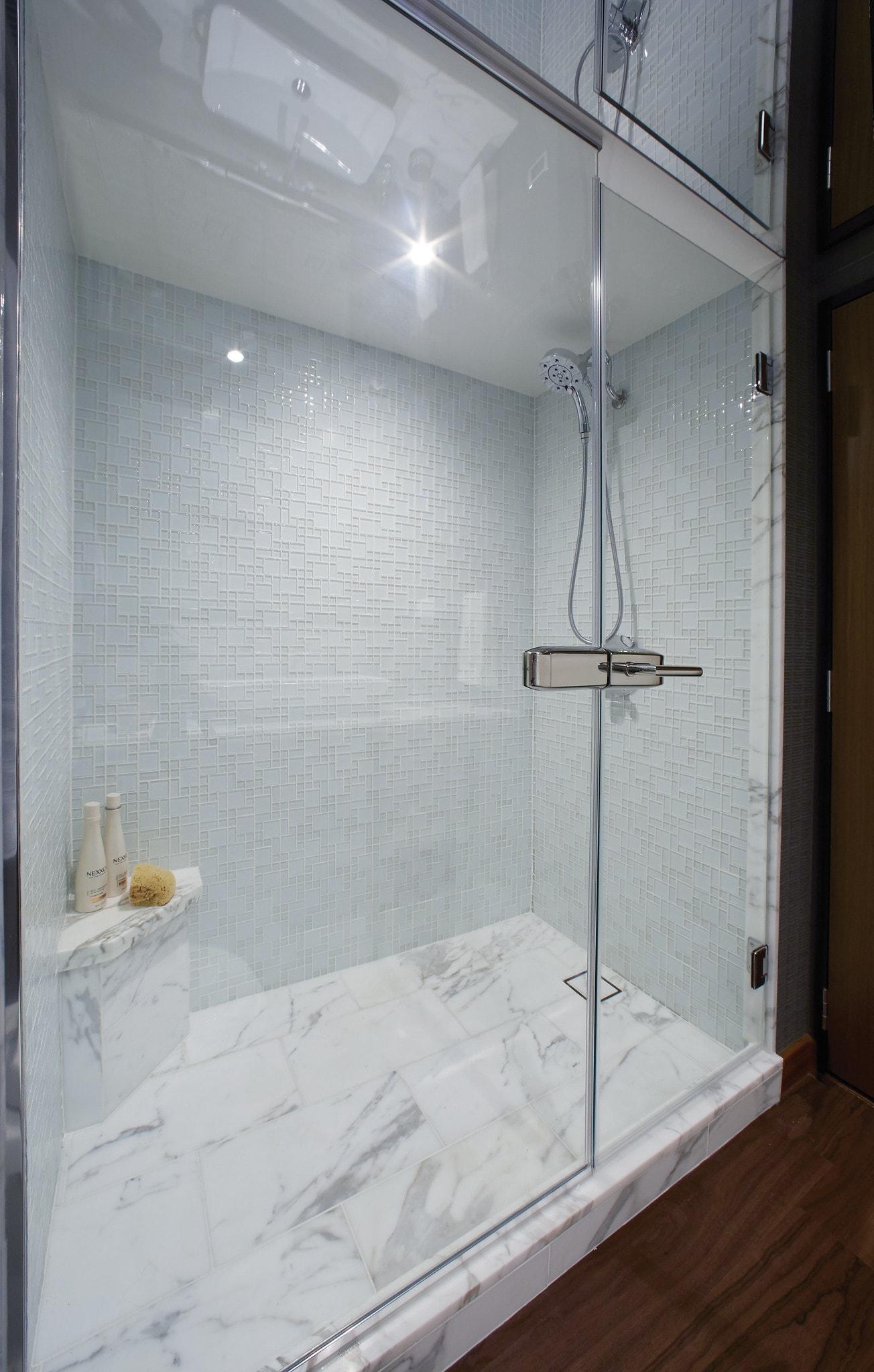 Hatteras M60 Shower