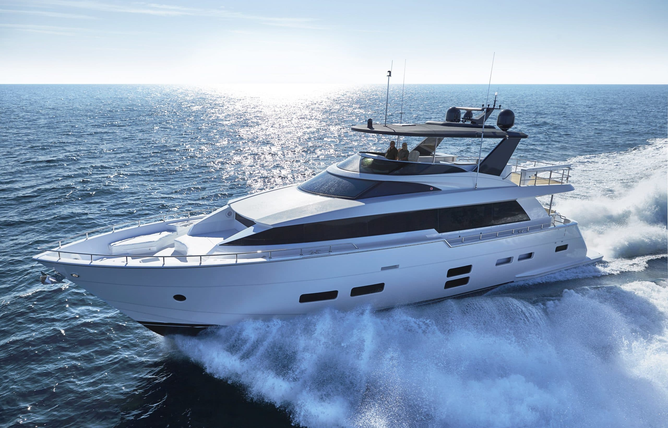 Hatteras M75 Panacera Port Side Running