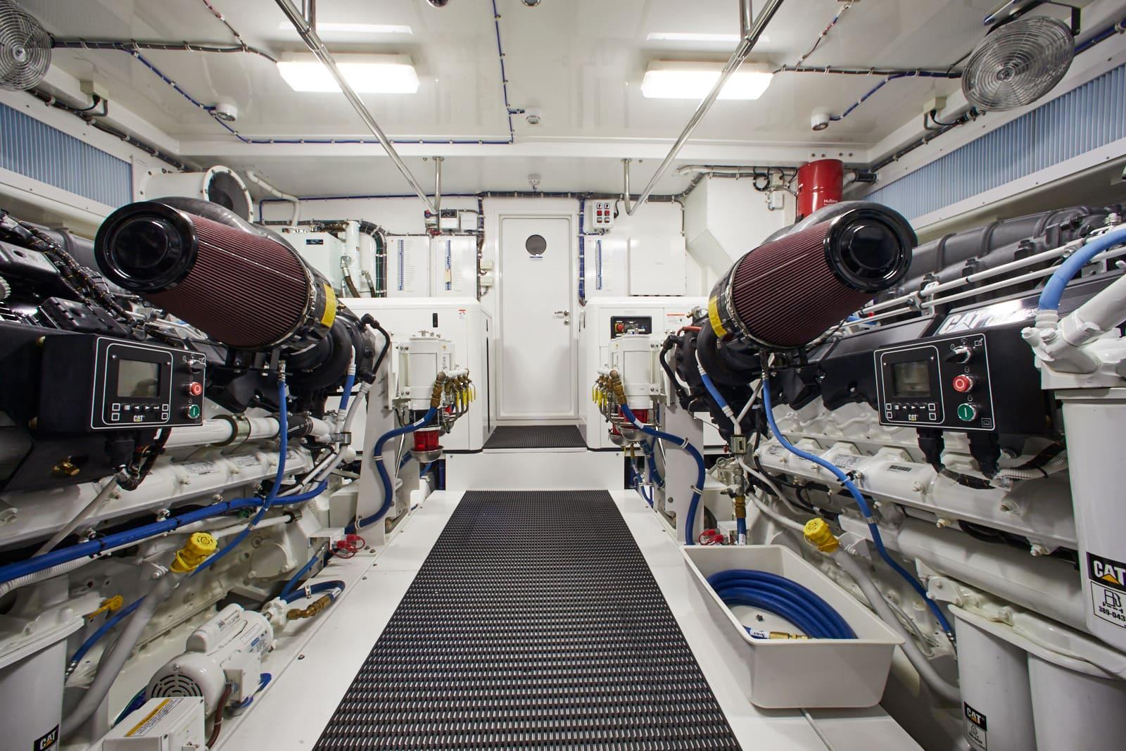 Hatteras M90 Panacera Engine Room 2