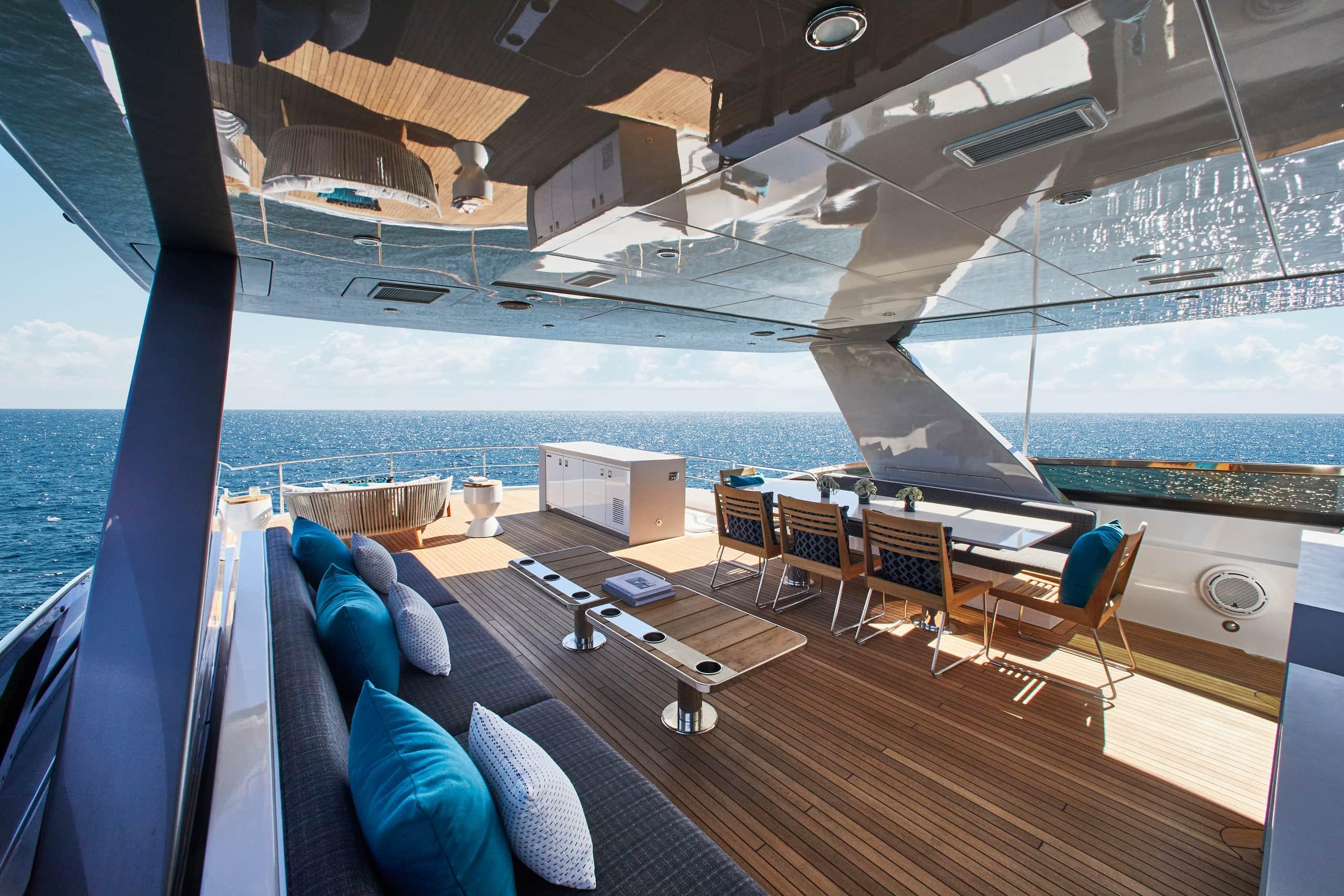 Hatteras M90 Panacera Top Deck Full Aft