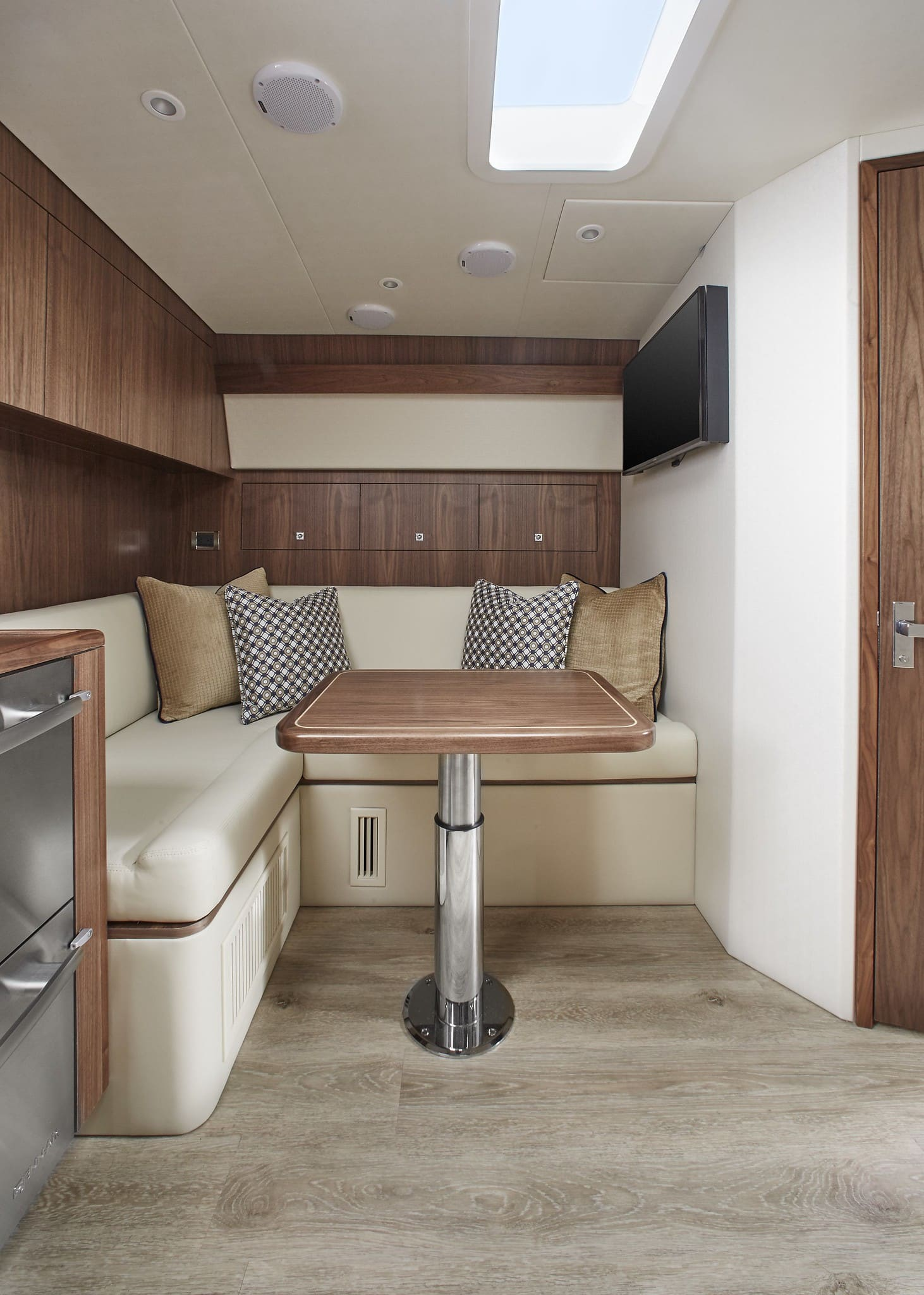 Hatteras GT45 Express Dining Area Dark