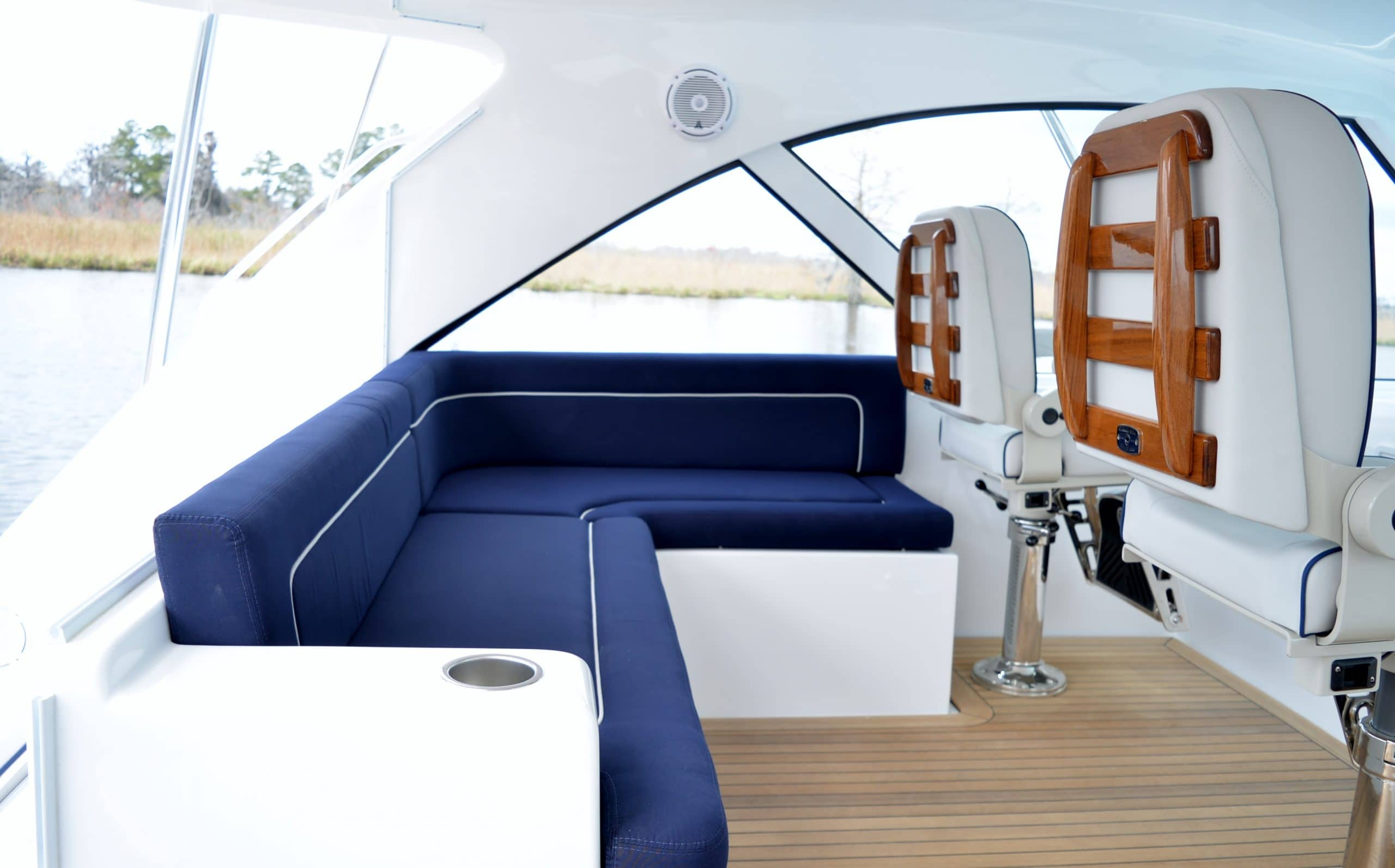 Hatteras GT45 Express Lower Helm Deck Seating Area