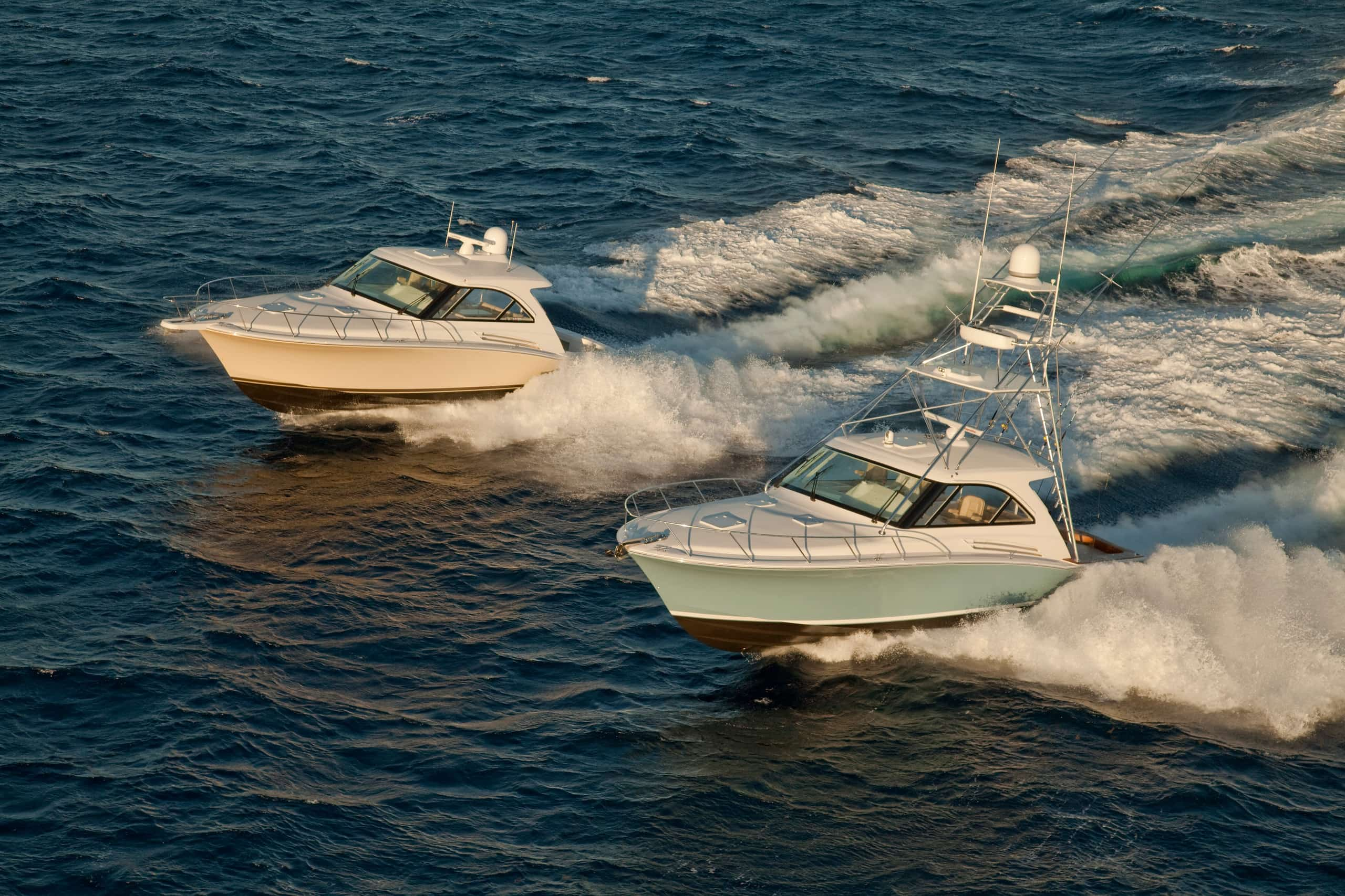 Hatteras GT45 EX and Hatteras GT45 Open Running