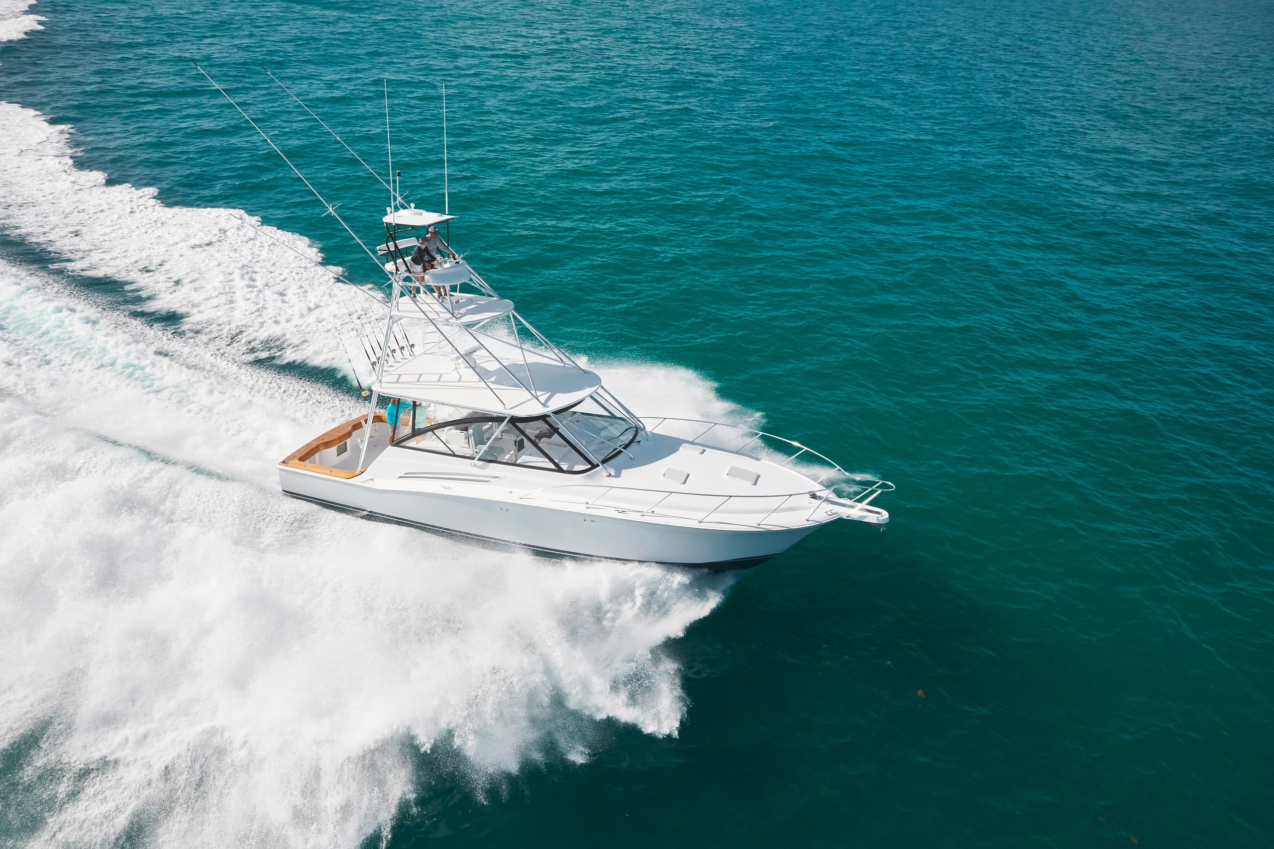 Hatteras GT45 Express Open Running
