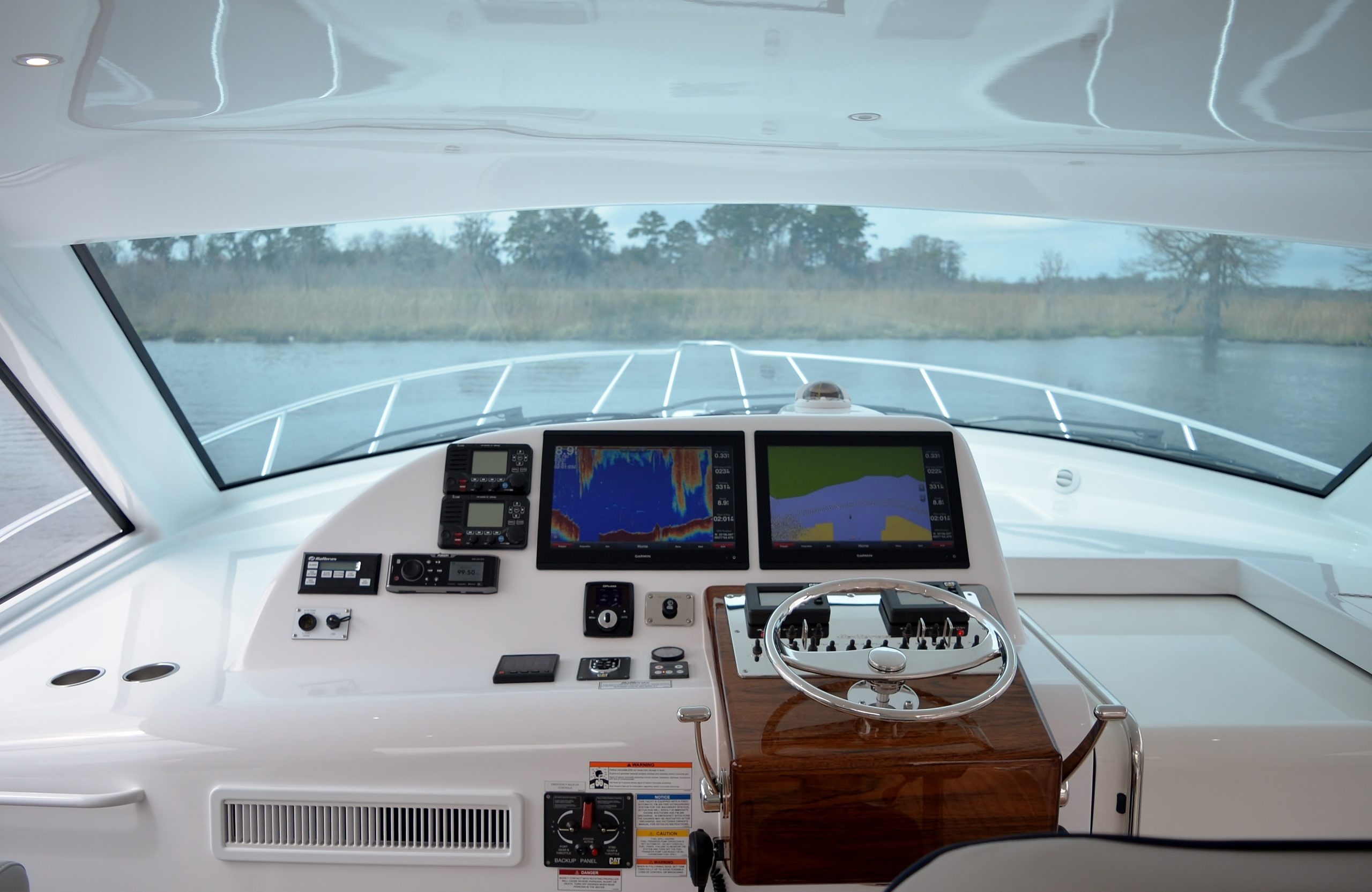 Hatteras GT45 Express Helm Forward