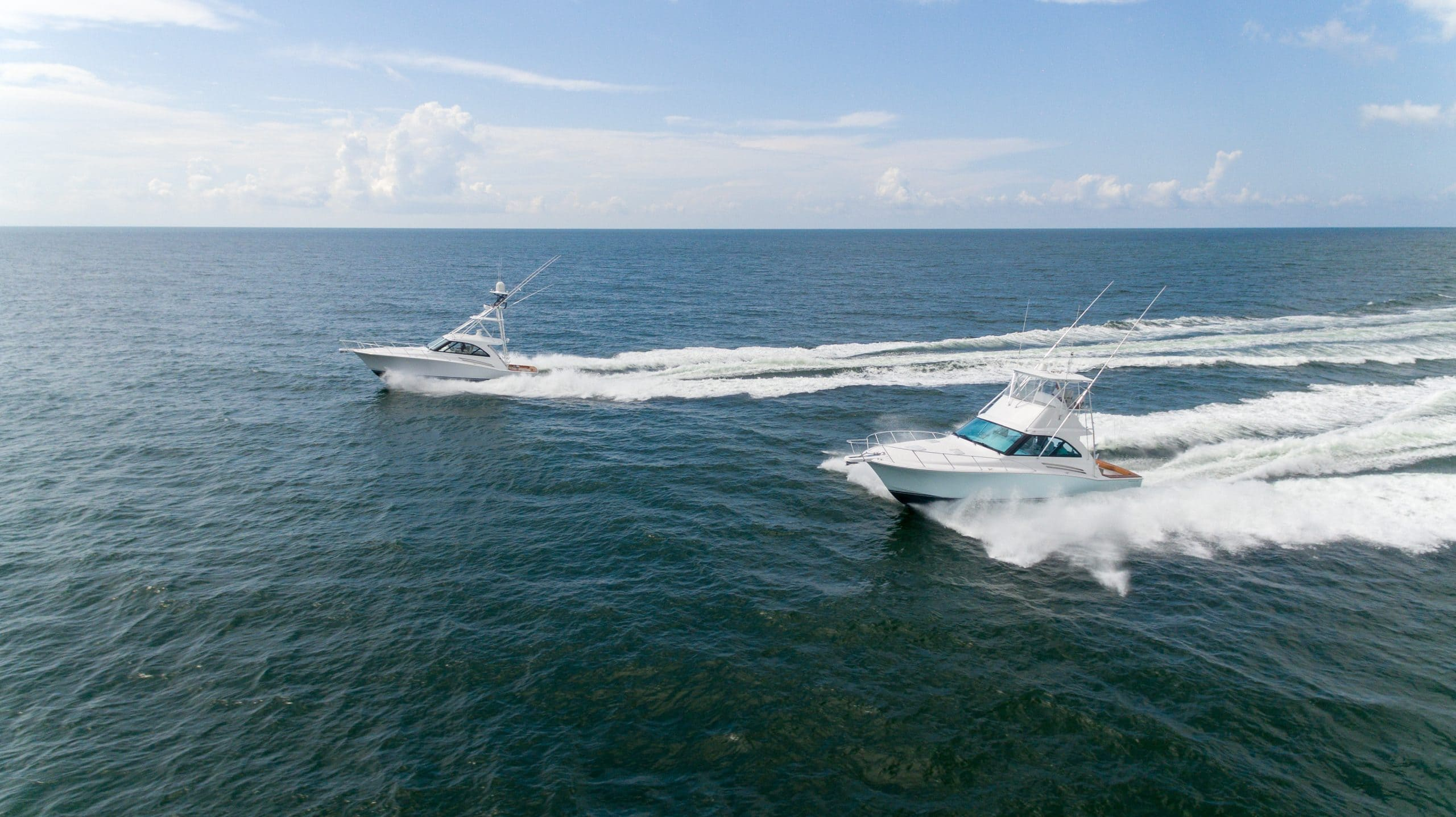 Hatteras GT45 Express Flybridge and GT45 Express with Tower Running