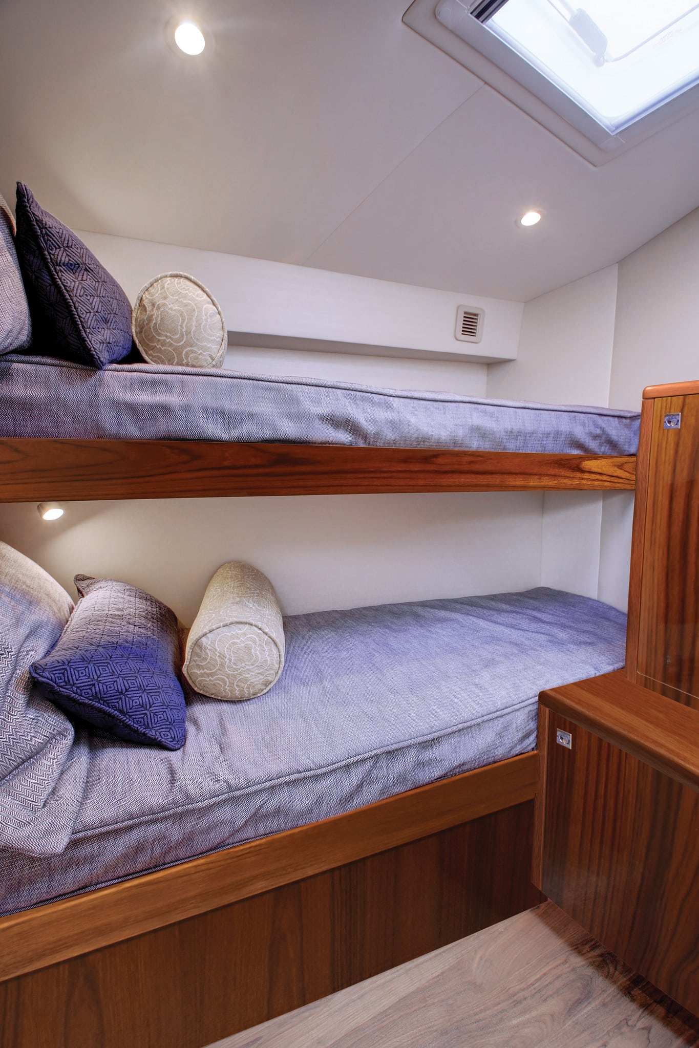 Hatteras GT45 Express Bunk Room Dark
