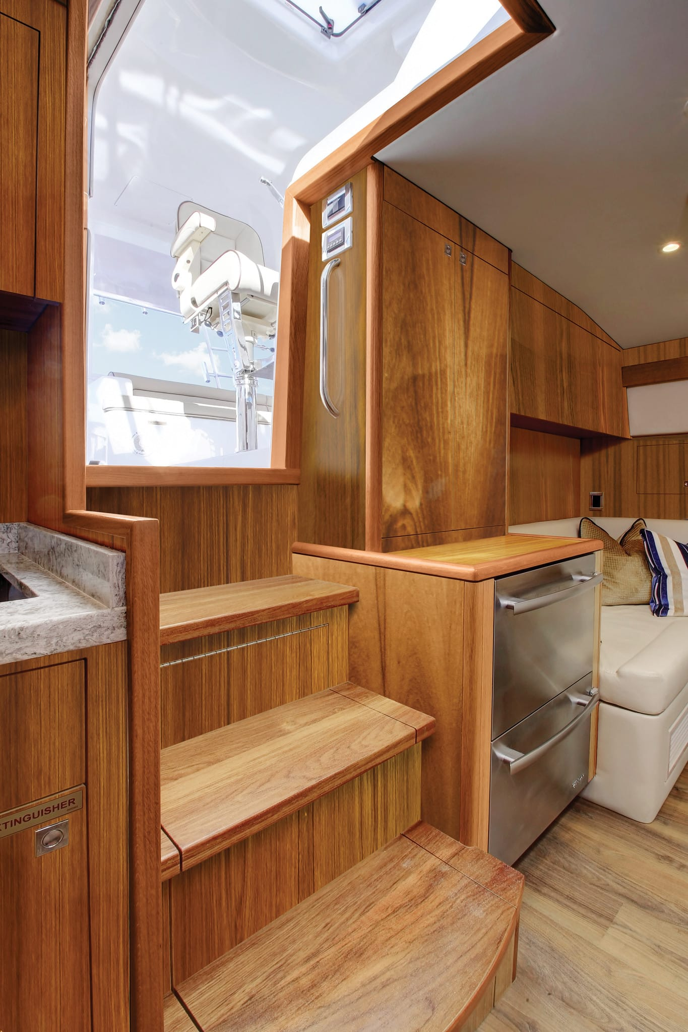 Hatteras GT45 Express Galley Exit