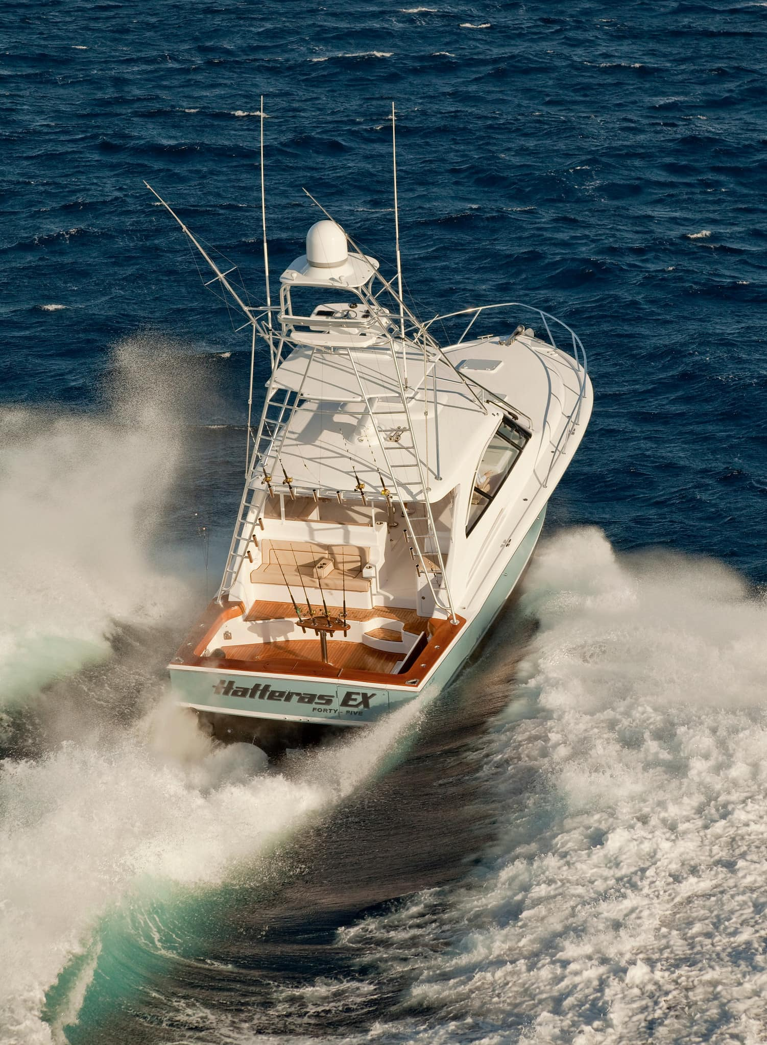 Hatteras GT45 Express With Tower Stern Running