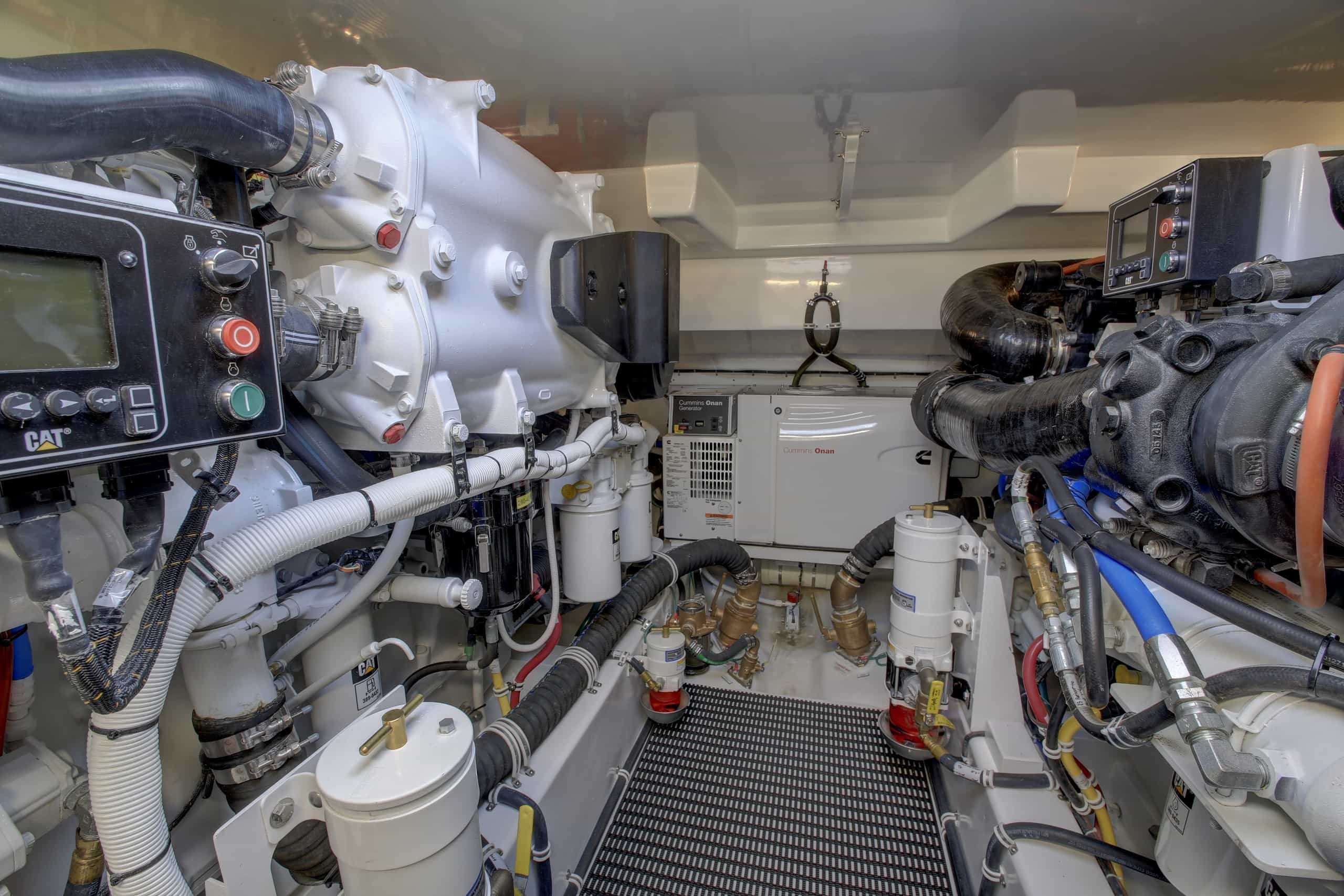 Hatteras GT45 Express Engine Room